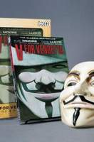 V For Vendetta_Book And Mask Set